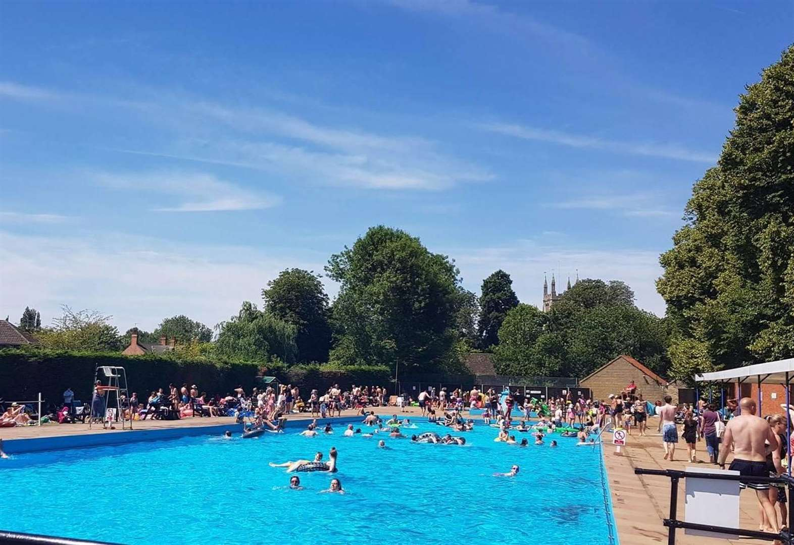 Bourne Outdoor Pool heatwave record joy