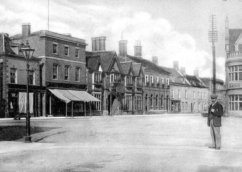 Bourne market place in 1904. Photo: Rex Needle. EMN-150818-115427001
